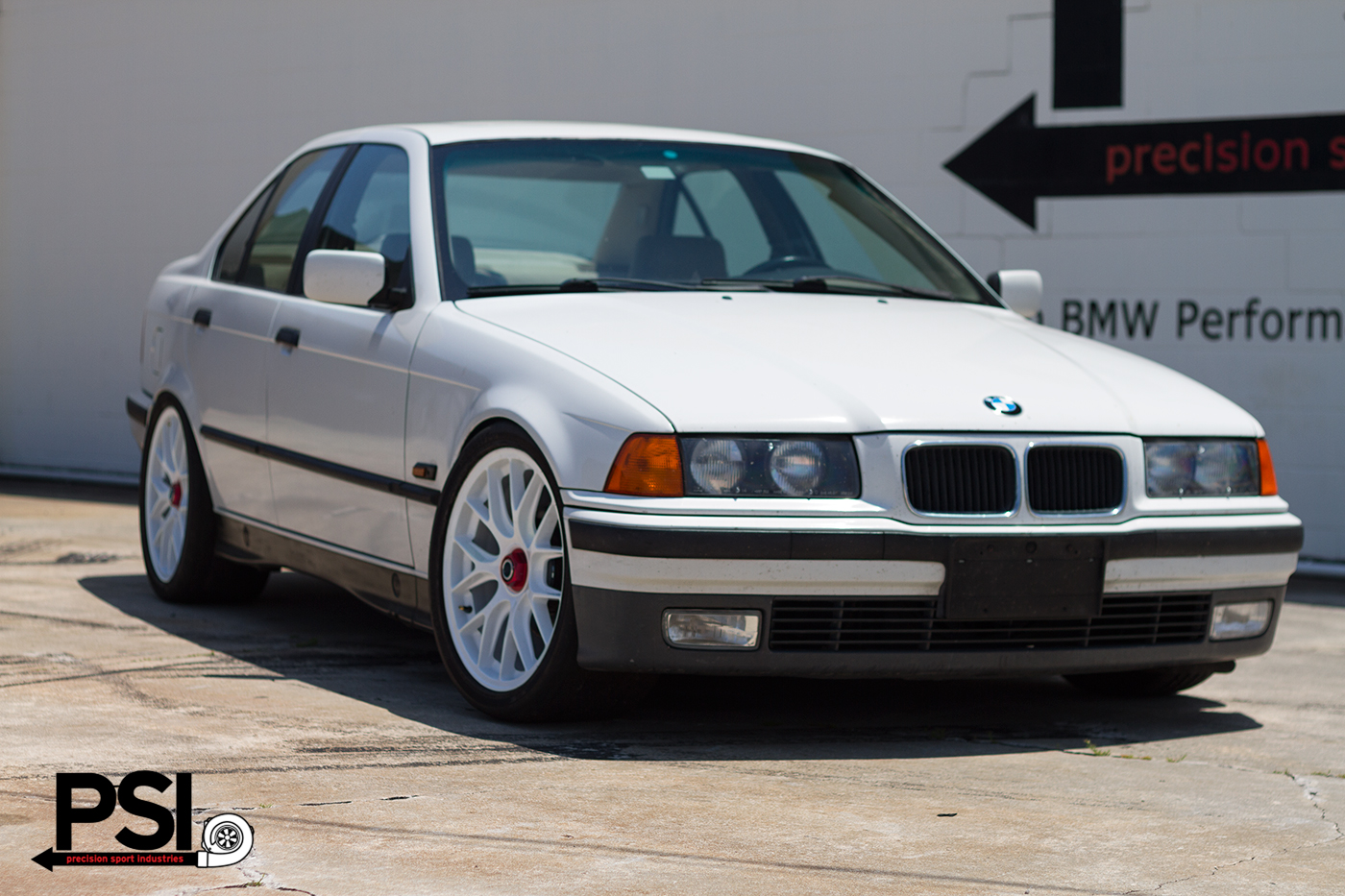 BMW E36 Centerlock Conversion